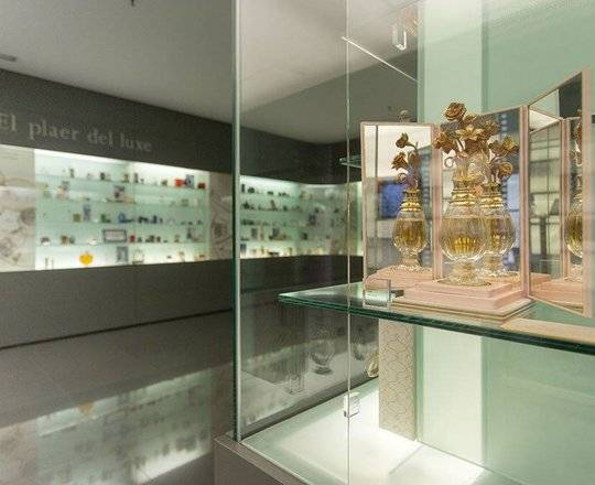 museo-del-perfume_img_gallery_full_page cuatro